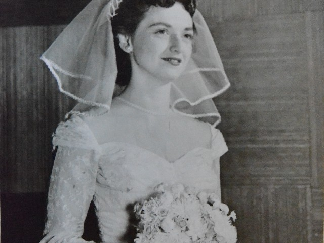 Mom_wedding_dress_01_DSC_0570